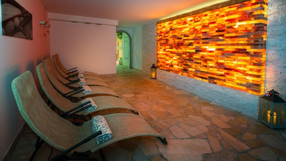 Relaxation room with Himalayan salt
